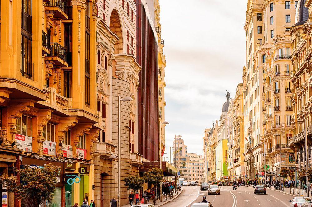 От заката до рассвета: самый разгульный город Испании