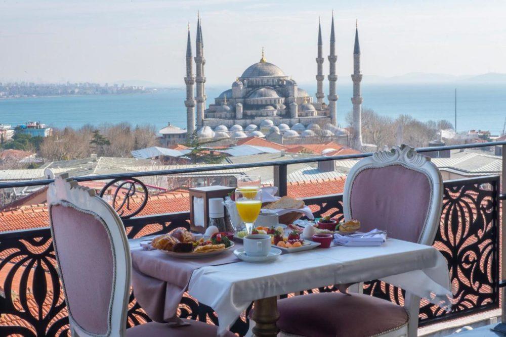 бесплатное проживание в Стамбуле