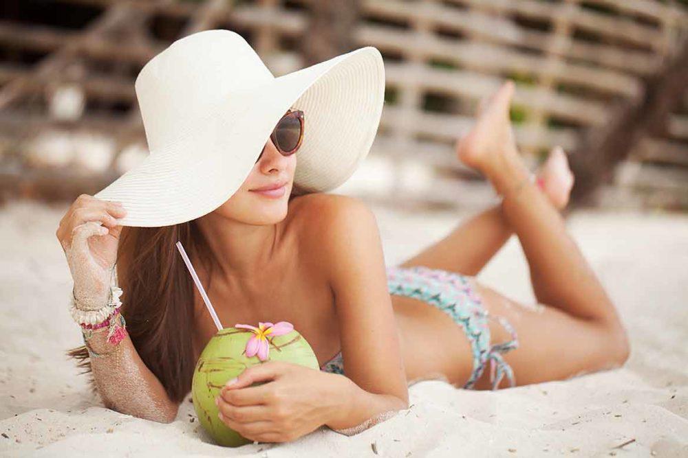 Раздеть по последней моде: модные тенденции на купальники этим летом